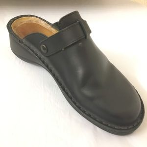 Naot Leather Clogs Size 37